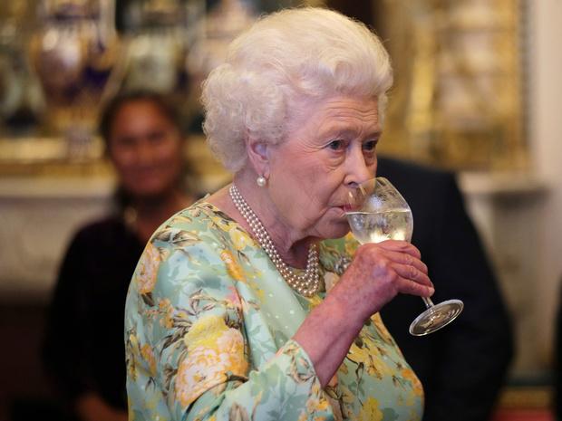 Фото №3 - Вечерний ритуал Королевы: как Елизавета II завершает каждый свой день