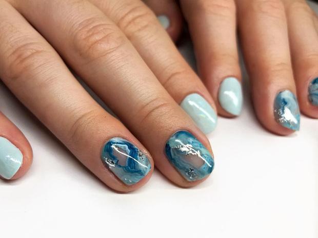 Фото №11 - Маникюр для коротких ногтей: 15 модных идей