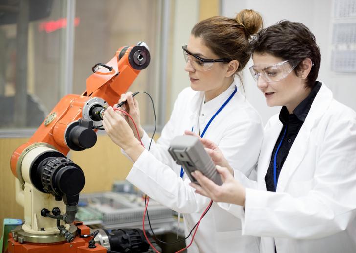 Фото №1 - Вкалывают роботы: что важно знать о роботехнике