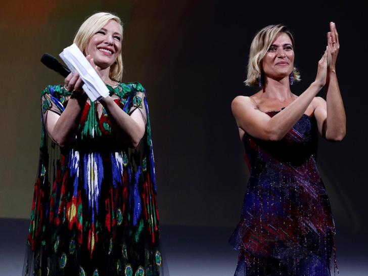 Фото №2 - Венецианский кинофестиваль 2020: лучшие образы церемонии закрытия