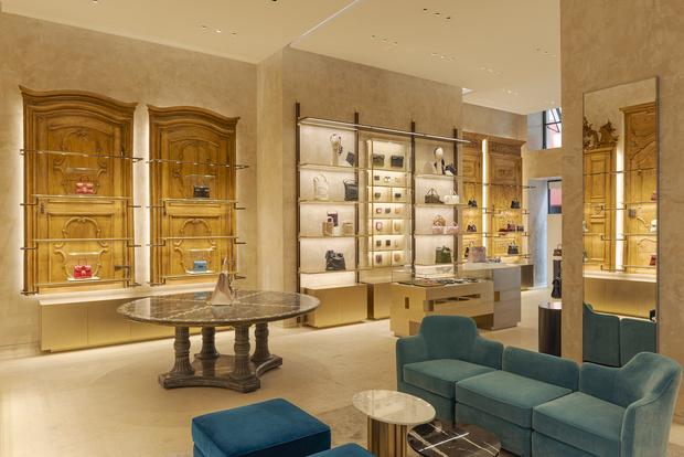 Фото №8 - Новый бутик Delvaux в самом сердце Парижа