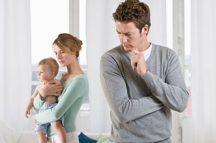 конфликты молодой семьи, молодые родители ссорятся