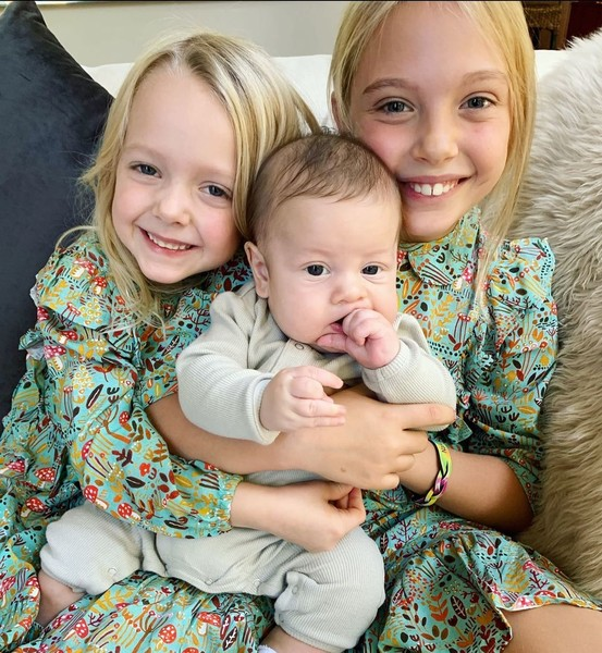 Фото №4 - Блогер усыновила ребенка с аутизмом, обрела славу, и сдала малыша обратно
