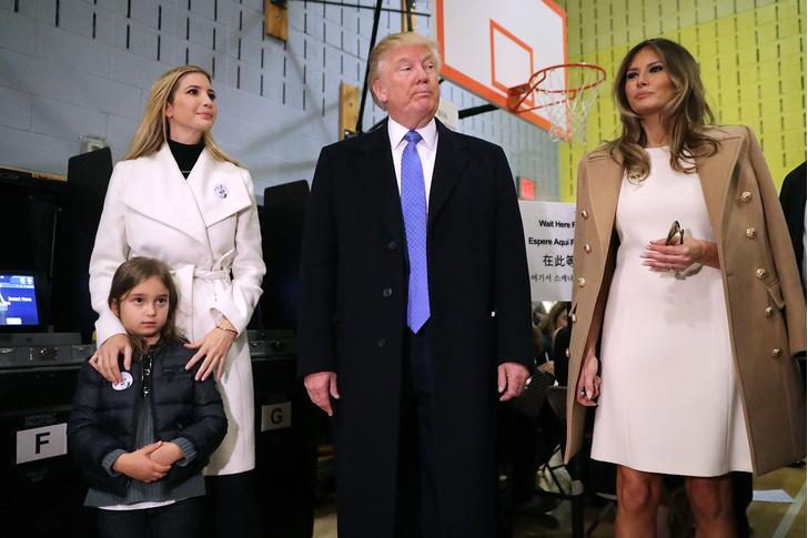 Фото №12 - Большая разница: как менялся стиль Мелании Трамп во время президентских кампаний мужа