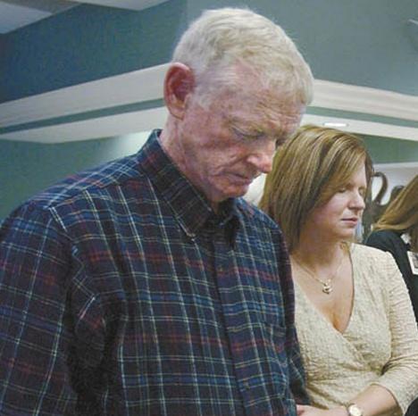 Фото №3 - «Ген самоубийства»: мужчина получил сердце донора, который покончил с собой, женился на его вдове и тоже совершил суицид