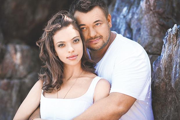 Фото №1 - Во всем виновата любовь: звездные пары о секретах семейного счастья