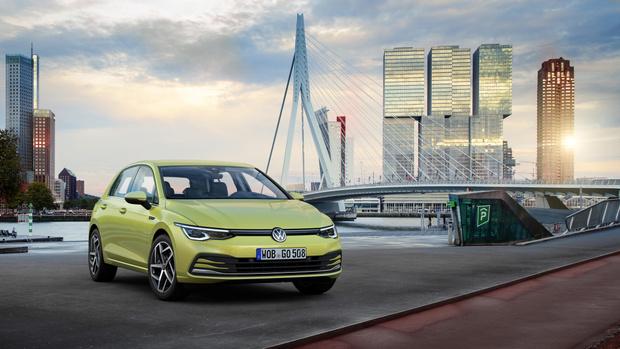 Фото №1 - Удар под дых: новый Volkswagen Golf обозначил российские цены