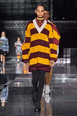Фото №8 - Все связано: 5 самых модных свитеров для зимы 2020/21