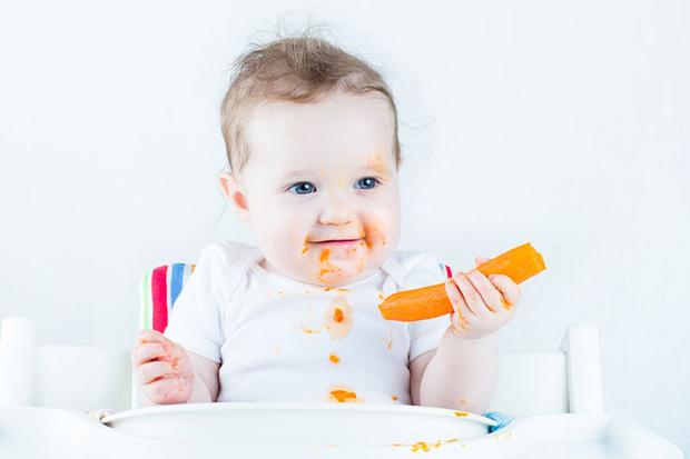 Фото №2 - Знакомство малыша с твердой пищей: успеть до первого зуба