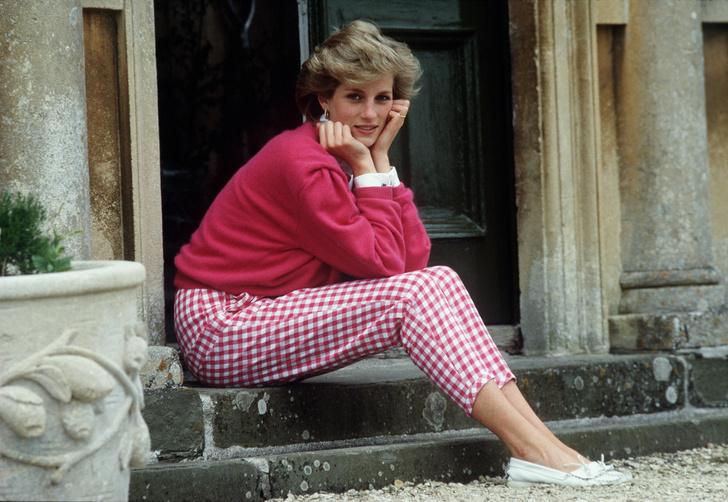Фото №18 - Как принцесса Диана вершила модную революцию, пока сестры Дженнер ходили пешком под стол