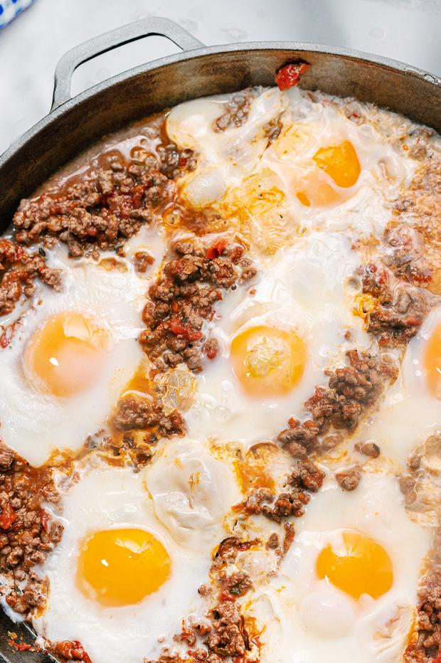 Фото №2 - 3 рецепта полезных завтраков, для которых нужно всего 3 продукта
