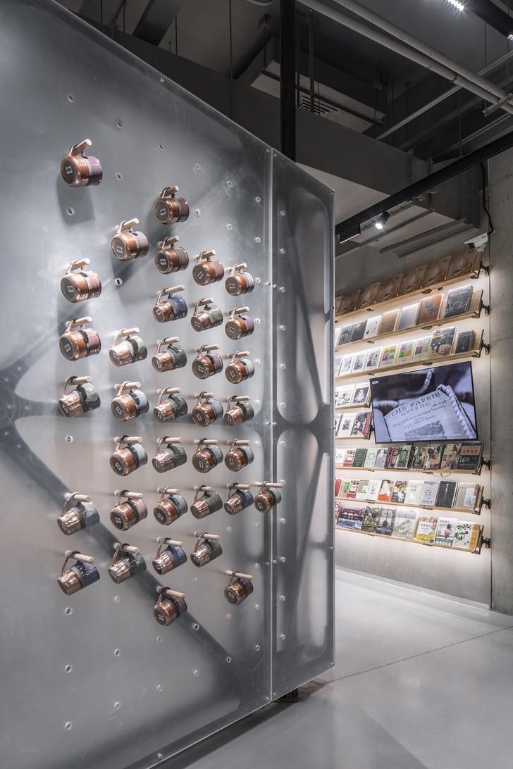 Фото №6 - Концептуальный книжный магазин Mumokuteki в Пекине
