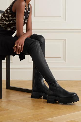 Фото №5 - Самая модная обувь сезона: где искать идеальные ботфорты (и с чем их носить)
