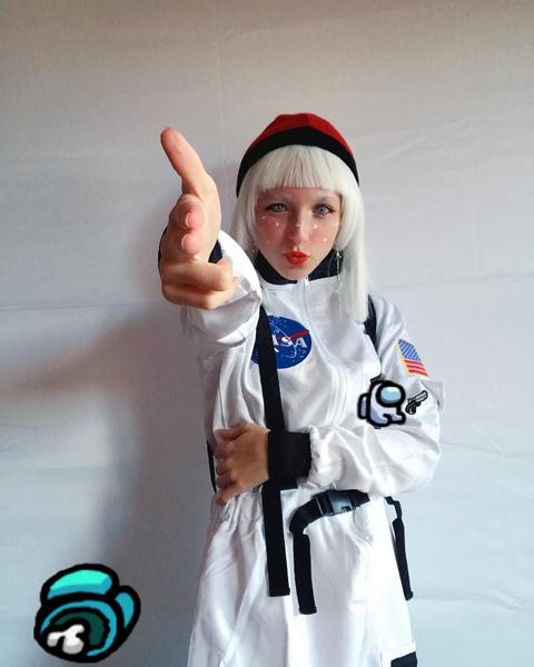 Фото №6 - Among Us: 20 фантастических костюмов на Хэллоуин для космонавтов и предателей