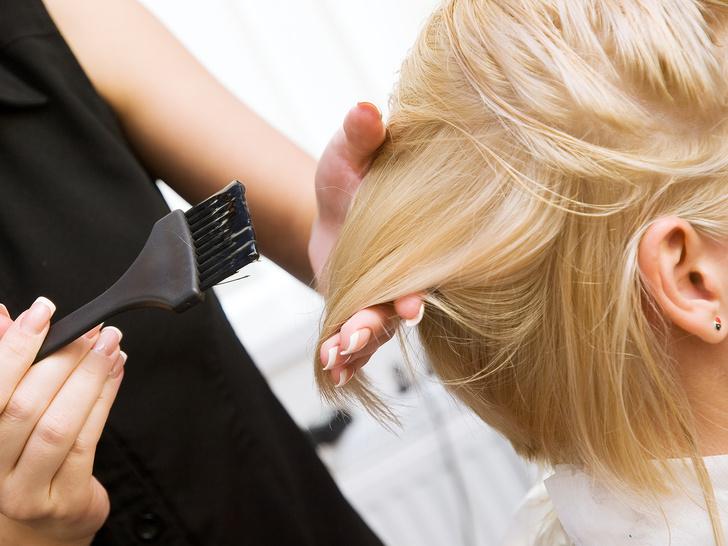 Фото №1 - Новое осложнение! Переболевшие коронавирусом больше не могут красить волосы