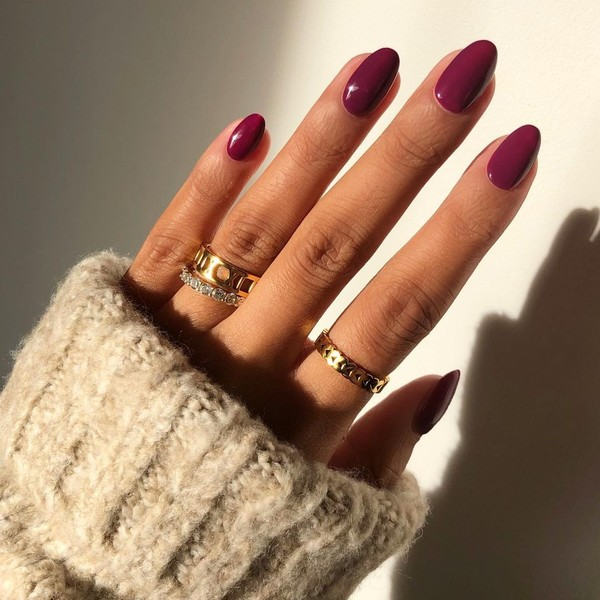 Фото №1 - Маникюр для длинных ногтей: 30 классных идей