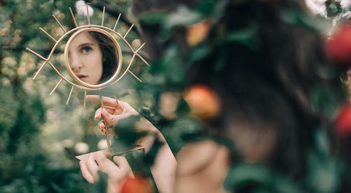 Нарциссизм: двойные стандарты и лицемерие