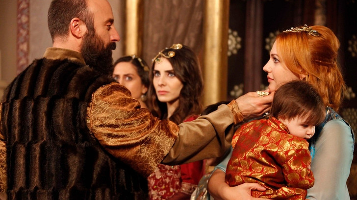Фото №5 - Окно в Турцию: цитаты из «Великолепного века» на турецком 😎