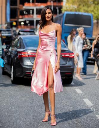 Фото №7 - Какое платье выбрать для свидания: 5 беспроигрышных вариантов