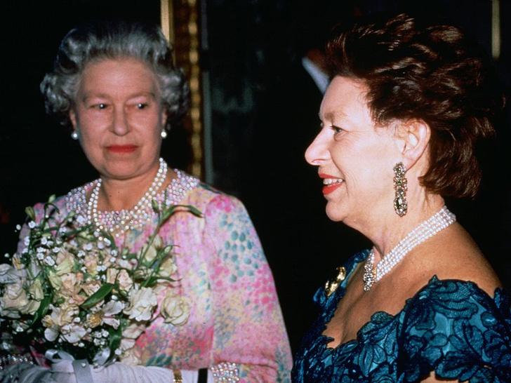 Фото №4 - Боль сестры: чем принцесса Маргарет всегда расстраивала Королеву