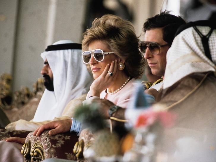 Фото №2 - Некрасивое поведение: как Чарльз обидел Диану во время королевского тура