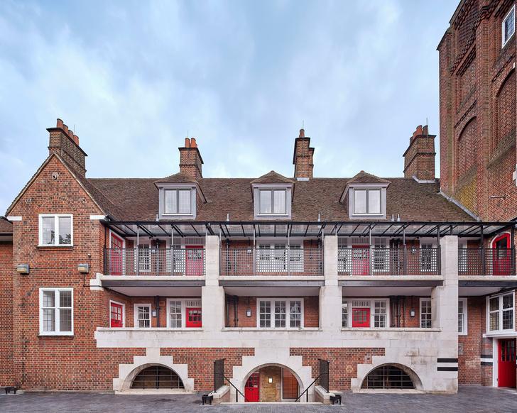 Фото №2 - Жилой дом в бывшей пожарной части в Лондоне