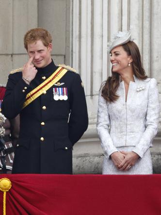Фото №9 - Особая связь: самые трогательные и забавные фото Гарри и Кейт