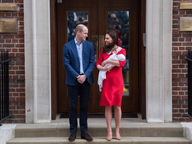 Фото №4 - Королевский выбор: где появится на свет ребенок принцессы Евгении