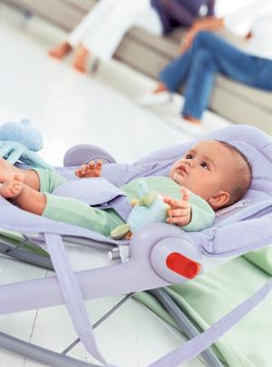 Фото №1 - Кресло-качалка для малыша