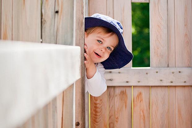 Фото №1 - Почему дети так любят играть в прятки?