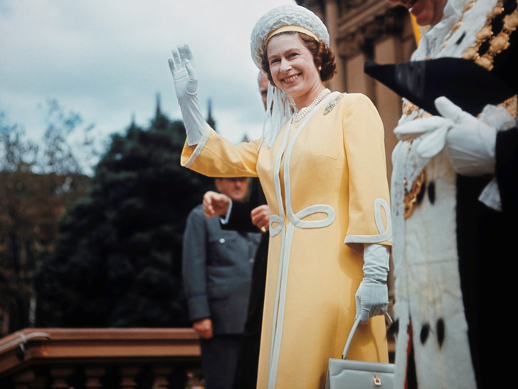 Фото №1 - Цель— Королева: история самого загадочного покушения на Елизавету, которое так и не было раскрыто
