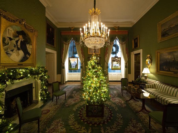 Фото №2 - Последнее Рождество в Белом доме: что Мелания Трамп хотела сказать новогодними декорациями