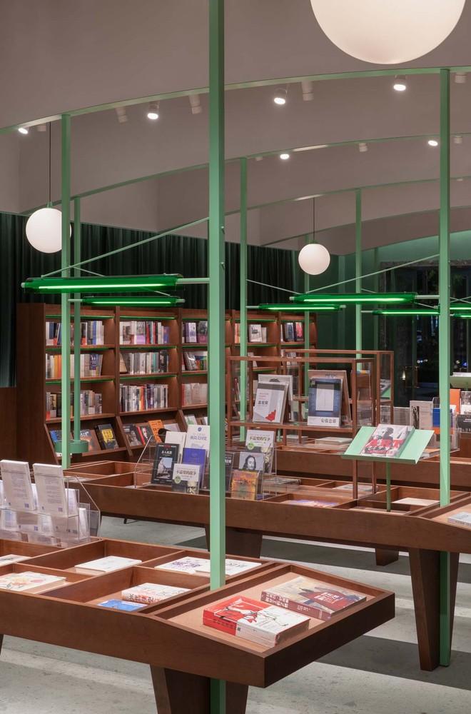 Фото №3 - Книжный магазин Common Reader в Китае