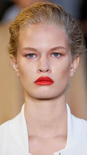Фото №11 - Главные тренды макияжа весны и лета 2021