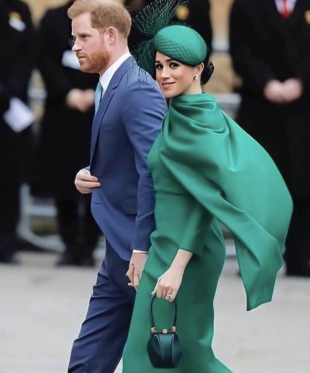 Фото №5 - Самый красивый зеленый: Иванка Трамп в обворожительном платье цвета мятной зелени