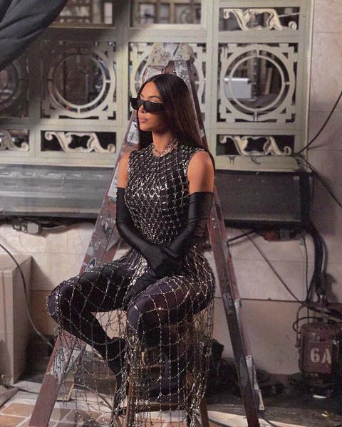 Фото №2 - Что надеть на Хэллоуин 2021? Вдохновляемся образами Кайли Дженнер, Ким Кардашьян и Хейли Бибер