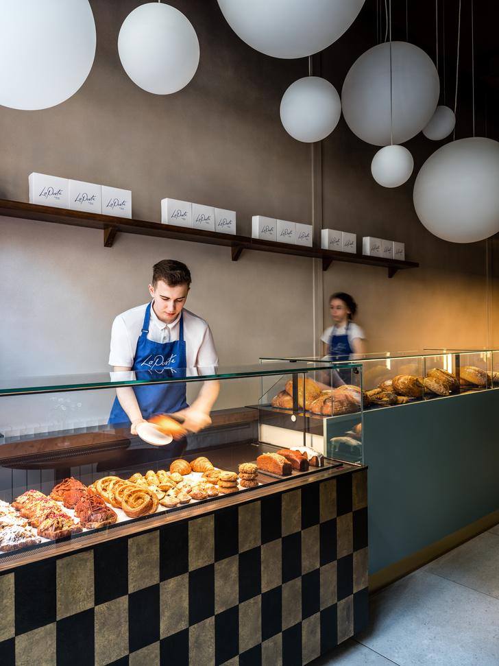 Фото №6 - Кафе-пекарня La Poste в Москве