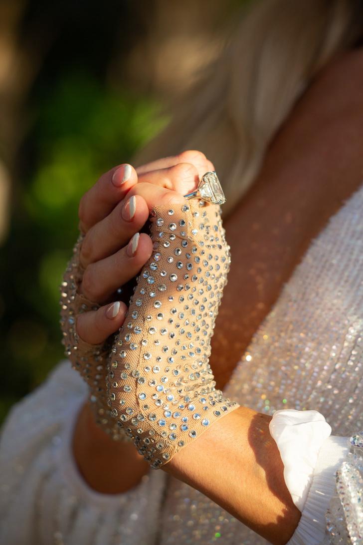 Фото №3 - Пэрис Хилтон выходит замуж! Рассматриваем новое кольцо и вспоминаем 3 предыдущих