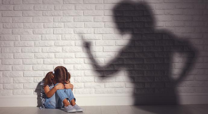 Почему одиноки дочери психопатичных матерей