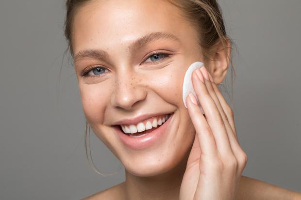 уход за сухой проблемной комбинированной кожей лица ежедневный
