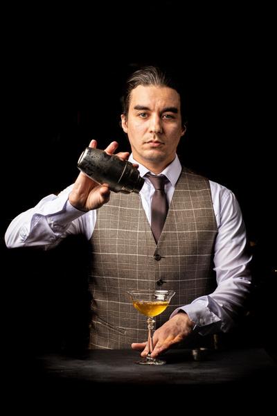 Фото №1 - Модный бар у вас дома: 5 советов от известного столичного шеф-бармена
