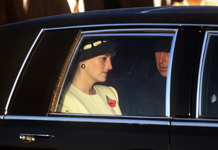 Фото №12 - Грустная принцесса: 11 доказательств того, что Диана не была счастлива в браке