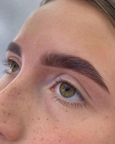 Фото №4 - Идеальный макияж для тех, у кого круглый год веснушки