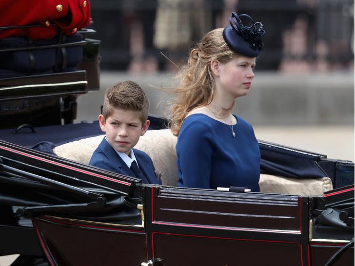 Фото №3 - Не графы и не герцоги: что означают титулы младших внуков Королевы— леди Луизы и виконта Северна