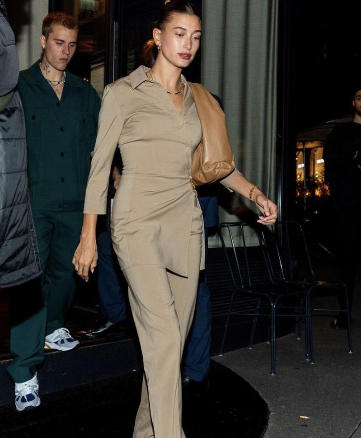 Фото №1 - Из неопубликованного: как Жакмюс отреагировал на появление Хейли Бибер в его нюдовом костюме