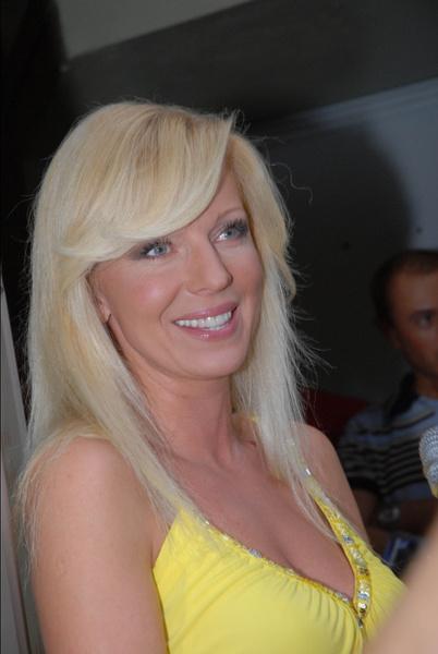 Фото №6 - Где суперзвезда 1990-х Наталья Ветлицкая пряталась 15 лет и почему решила вернуться в Россию