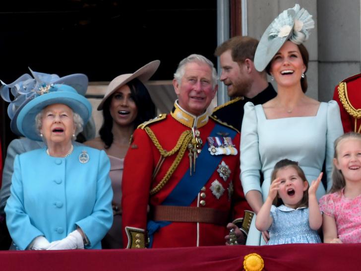Фото №9 - Мамина дочка: 11 раз, когда Кейт и Шарлотта появлялись в парных образах