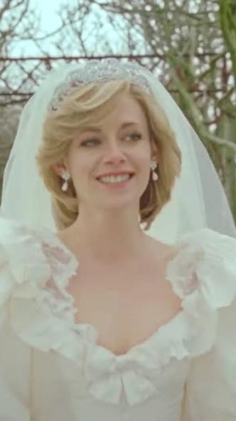 Фото №8 - Подражая Диане: наряды Кристен Стюарт в роли принцессы Уэльской