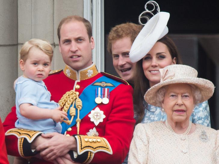 Фото №5 - Презент для будущего короля: самые дорогие и странные подарки, которые получал принц Джордж