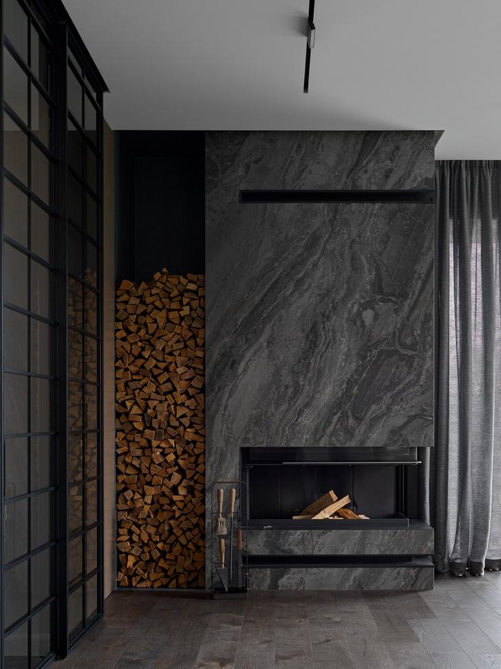 Фото №2 - Дом в Подмосковье 250 м² с камином и большими окнами